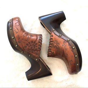 BareTraps • Leather Clogs/Mules